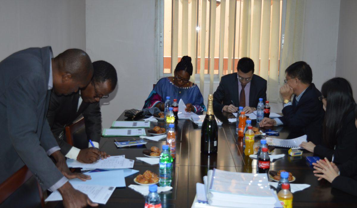 Construction du Club-MUNDI : Contrat signé avec l'entreprise CMEC