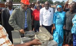 Pose de la première pierre du Club MUNDI à Ntoun